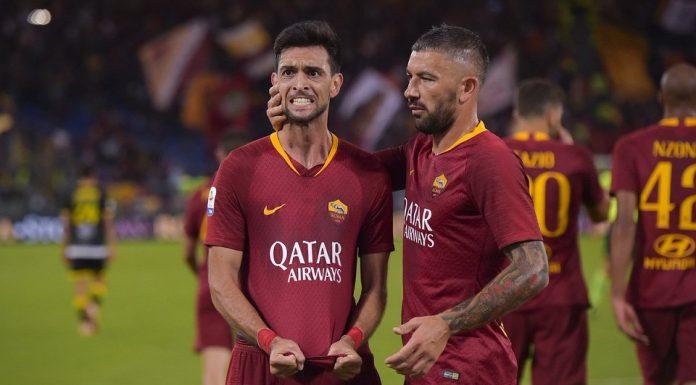 Pastore Merayakan Gol Setelah Menggilas Frosinone 4-0