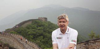 Foto Ketika Arsene Wenger Sedang Berlibur