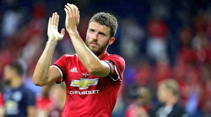 Manchester United; Carrick Bantah Tertarik Gantikan Mourinho