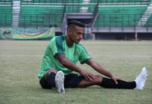 Cedera, Raphael Maitimo Kembali Absen Di Laga Persebaya kontra Borneo FC