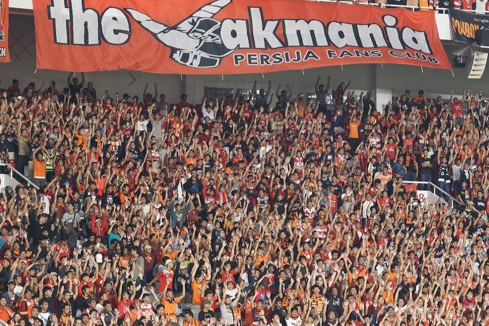 banyak-banner-protes-dari-the-jak-mania---persija-versus-bhayangkara