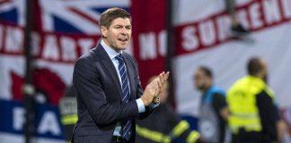 Gerrard Yakin Mou Mampu Memberikan Gelar Untuk MU