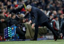 Mourinho Tak Disanksi UEFA