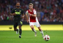 Menurut Ayahnya, Frenkie De Jong Akan Bergabung ke Barcelona