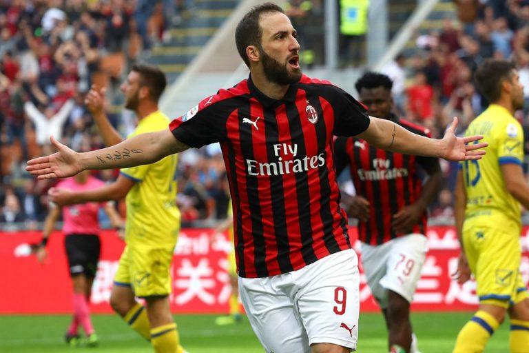 AC Milan Enggan Permanenkan Higuain