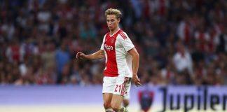Barcelona telah secara resmi merekrut gelandang muda dan juga berbakat milik Ajax Amsterdam, Frenkie De Jong. Blaugrana pun akan segera memperkenalkan