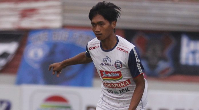 Jayus Hariono Mendapat Kontrak Baru 3 Tahun di Arema