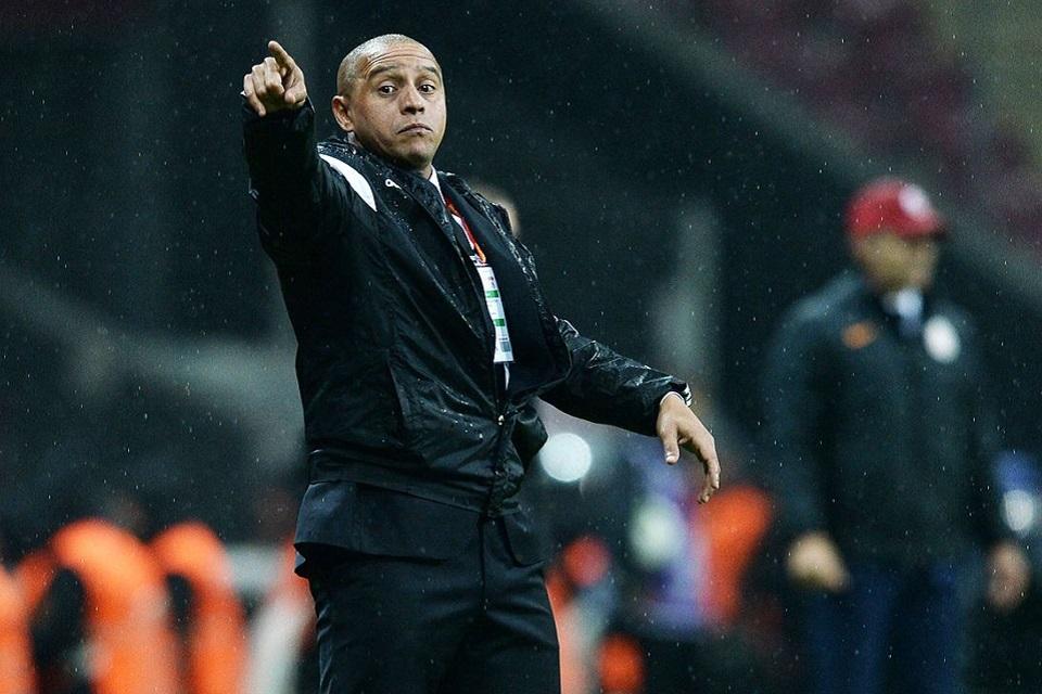 Roberto Carlos Membuka Peluang Untuk Melatih Bali United