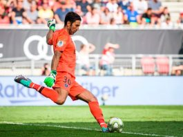 Ambisi Buffon dan PSG Menangkan Liga Champions