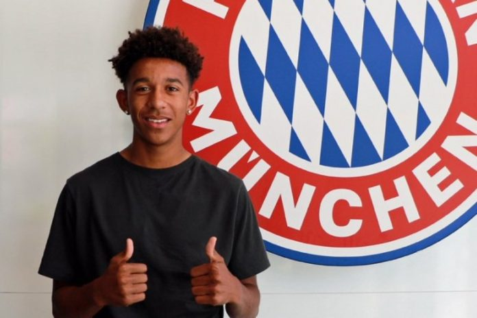 Bayern Munchen Resmi Kontrak Chris Richards
