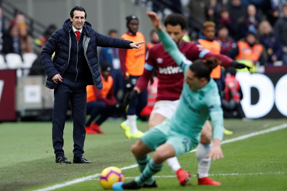 Emery Tegaskan Kekalahan Arsenal Lantaran Absennya Ozil