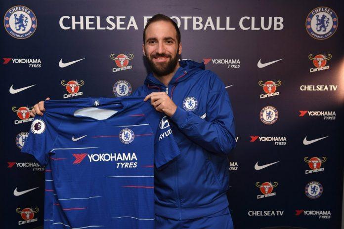 Higuain Resmi Berseragam Chelsea