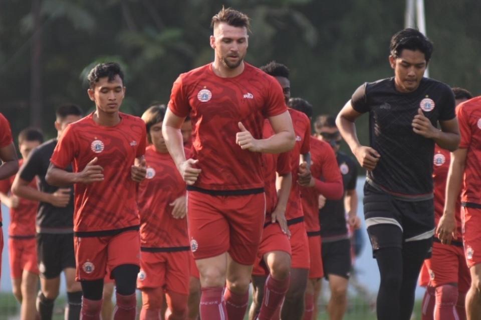 Latihan Perdana Bersama Kolev, Skuat Persija Berlatih Berat