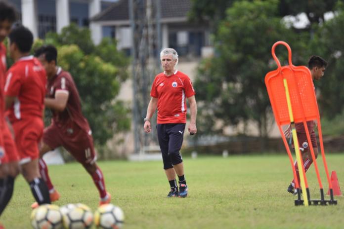 Lawan Home United, Persija Latihan di Lapangan Sintetis