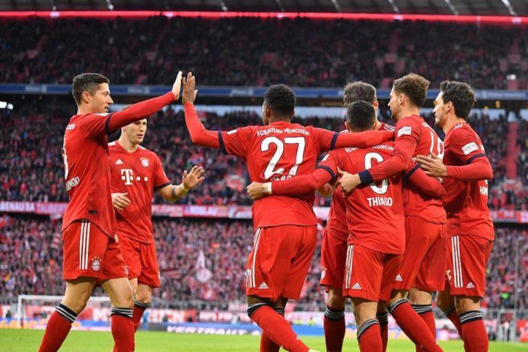 Libas VFB Stuttgart 4-1, Bayern Beri Tekanan ke Dortmund