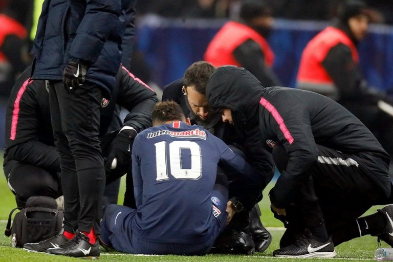 Neymar Cedera, Lizarazu: Ini Ibarat Bencana Buat PSG