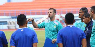 Radovic Janjikan Persib Mainkan Sepakbola Menyerang