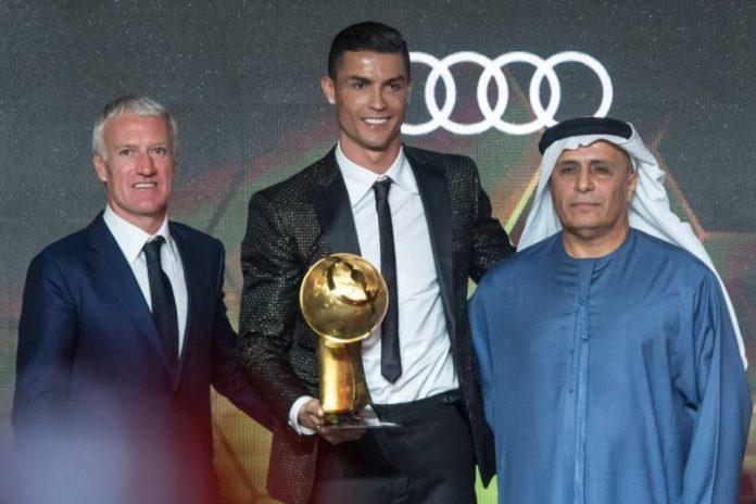 Ronaldo Pemain Terbaik Globe Soccer Awards