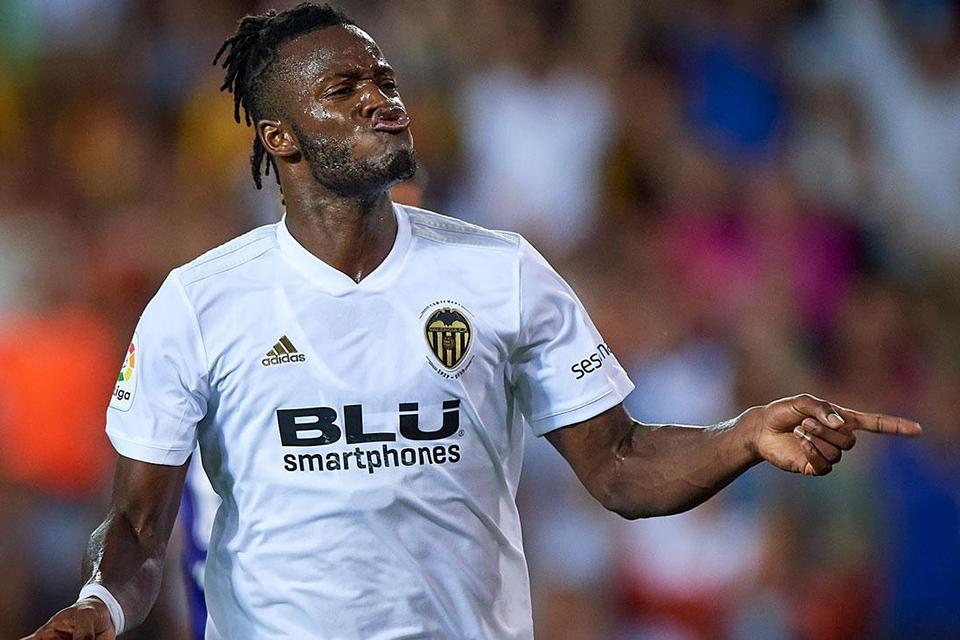 AS Monaco datangkan BAtshuayi