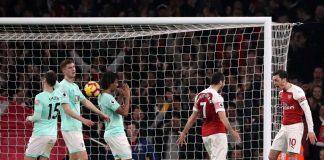 Arsenal Menang Besar, Emery; Ini Perang Tim Bukan Hanya Ozil dan Mkhitaryan