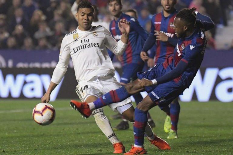 Atletico Sindir Diving Casemiro Layak Diganjar Oscar