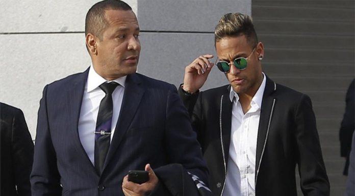 Ayah Neymar Kembali Bantah Rumor Kembali ke Barca