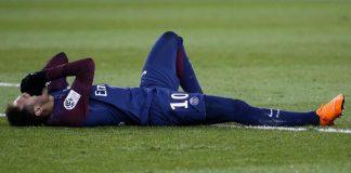 Cedera Metatarsal Buat Neymar Menangis Berhari-hari