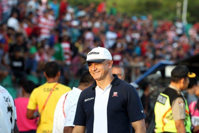 Gomes de Oliveira Ajak Anaknya Main di Kalteng Putra