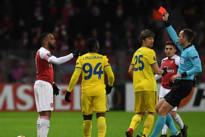 Alexandre Lacazette Minta Maaf Atas Insiden Kartu Merah Kontra BATE