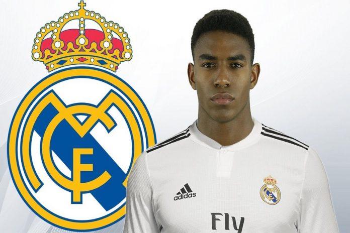 Madrid Pantau Junior Firpo Sebagai Pengganti Marcelo