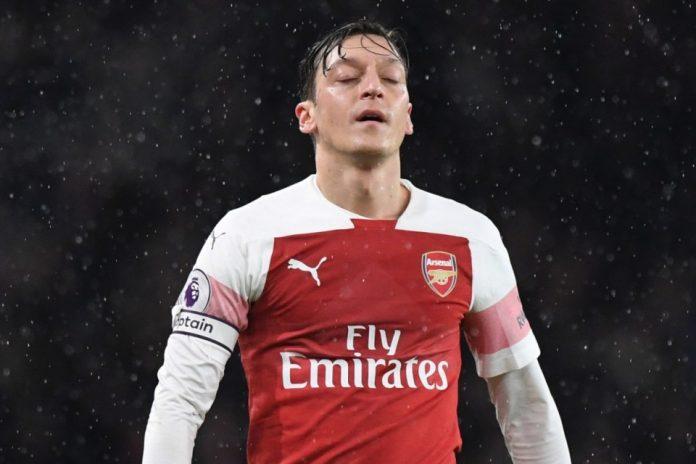 Mesut Ozil Disebut Kian Dekat Dengan Pintu Keluar Arsenal