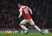 Paul Merson Sebut Ozil Lebih Baik Pensiun Usai Tersisih di Arsenal