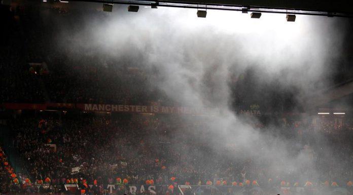 Supporter Berulah, PSG dan MU Terancam Sanksi UEFA
