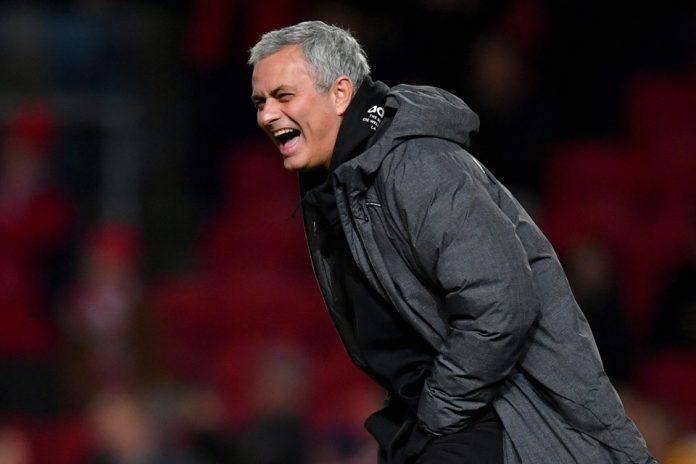 Demi Chelsea, Mourinho Tolak Tawaran Latih Madrid