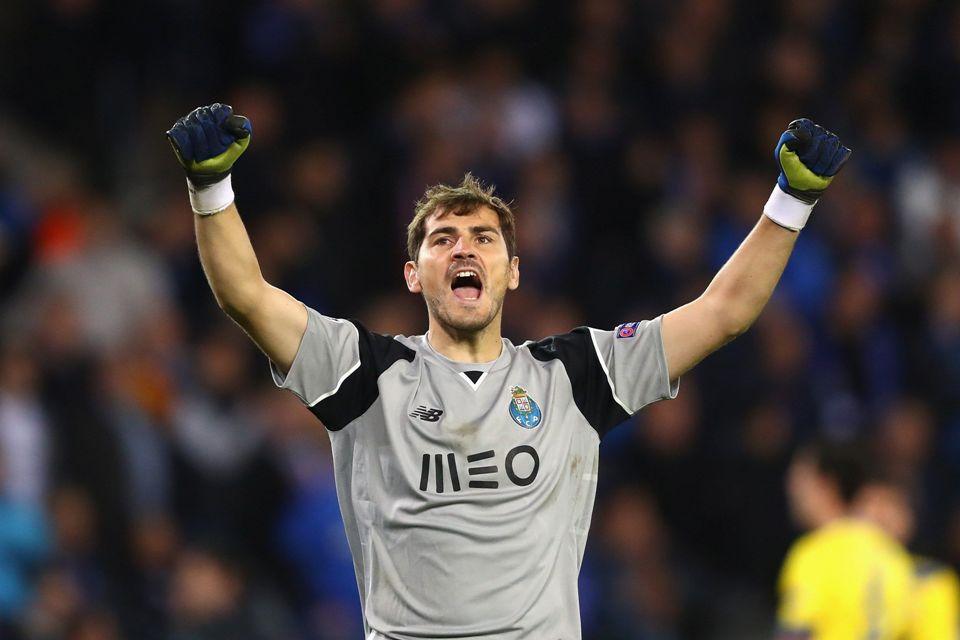 Perpanjang Kontrak 3 Tahun, Casillas Pensiun Di Porto