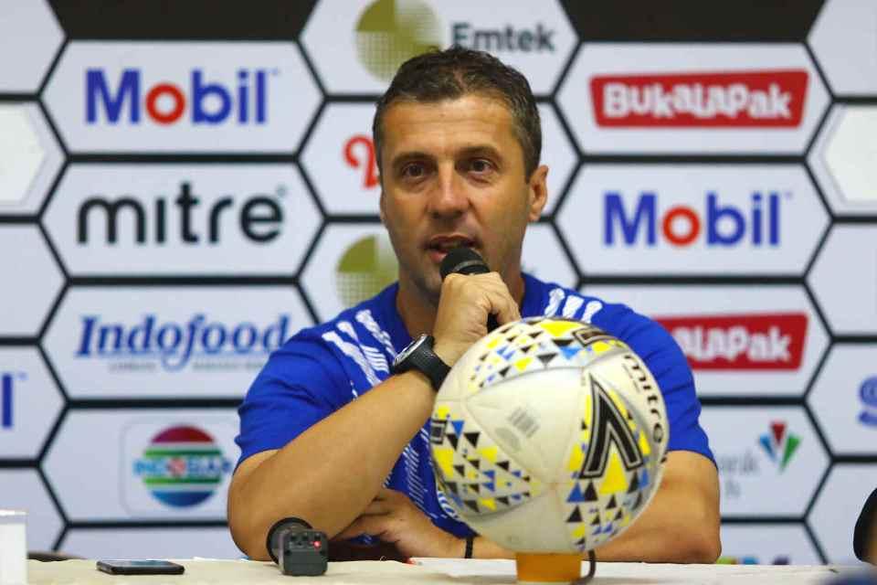 Tersingkir di Piala Presiden, Radovic Lakukan Ini Pada Skuat Persib