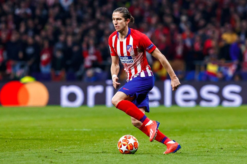 Belum Perpanjang Kontrak, Filipe Luis Tunggu Tawaran Barca