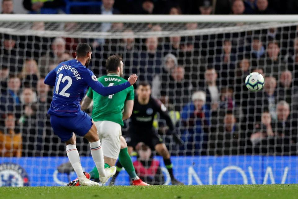 Chelsea Gasak Brighton & Hove Albion di Stamford Bridge