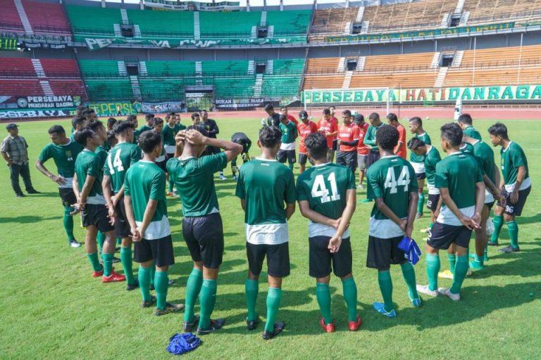 Coach Djanur Ungkap Kelemahan Utama Persebaya Musim Ini