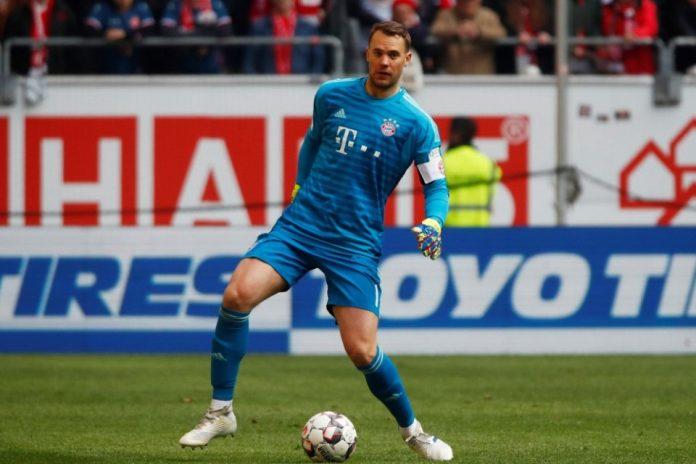 Digosipkan Pensiun, Manuel Neuer Hanya Tertawa