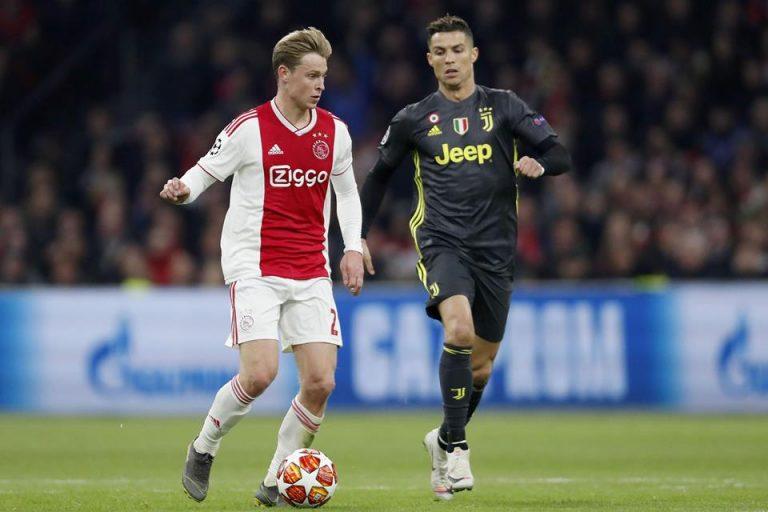 Jelang Laga Kontra Juve, De Jong Bikin Pusing Pelatih Ajax