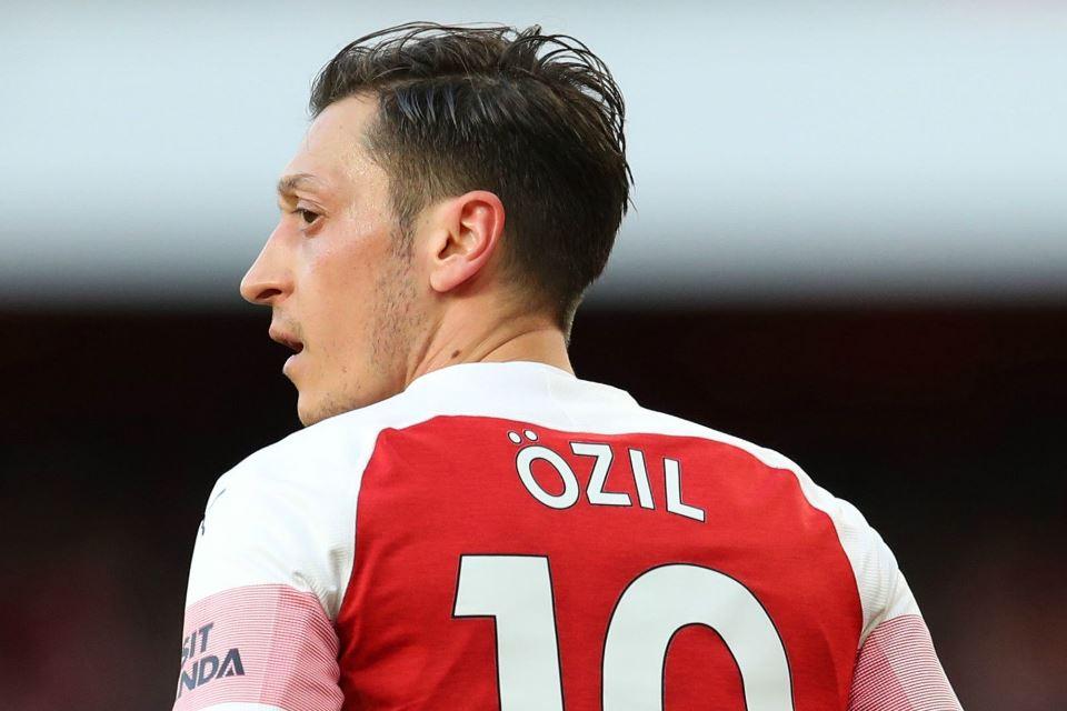 Hanya Dengan Gaji Ozil, Arsenal Disebut Bisa Membayar Empat Pemain Sekaligus