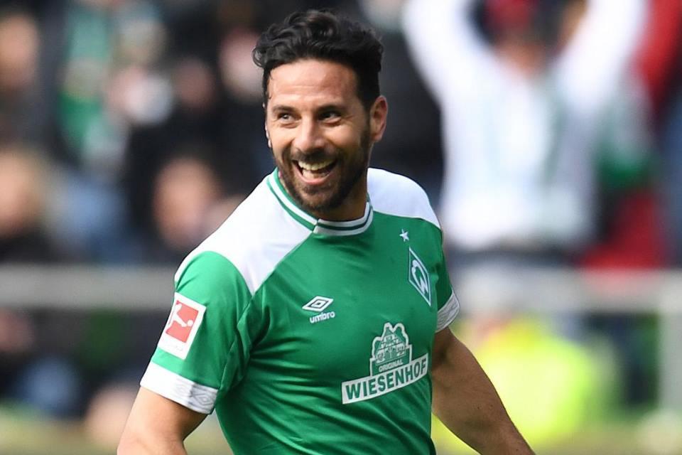 Claudio Pizarro Ditawari Pekerjaan oleh Bayern Munich