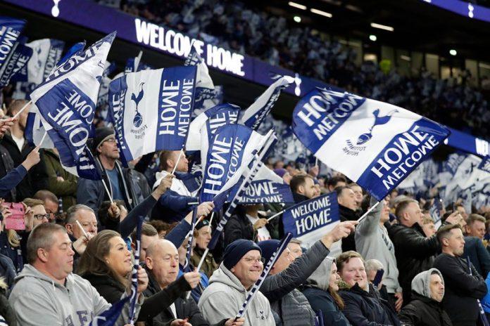 Fans Bertingkah, Ajax dan Tottenham Terancam Sanksi UEFA