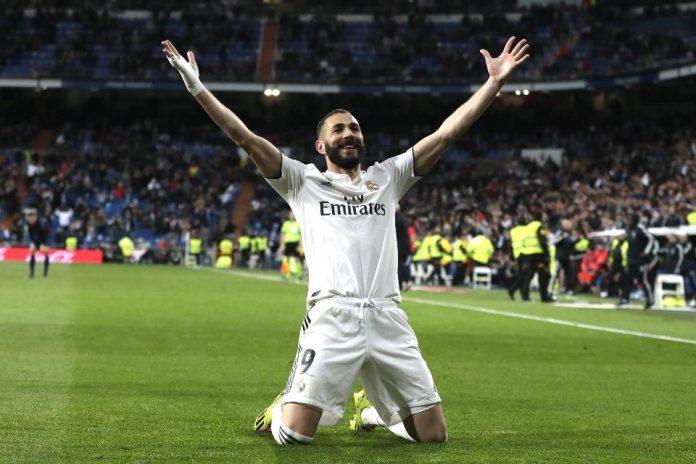 Zidane Isyaratkan Akan Coret Benzema Musim Mendatang