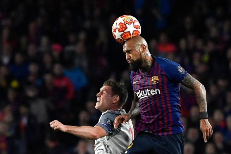 Tepis Rumor, Iniesta: Vidal Masih Penting Untuk Skuad Barcelona