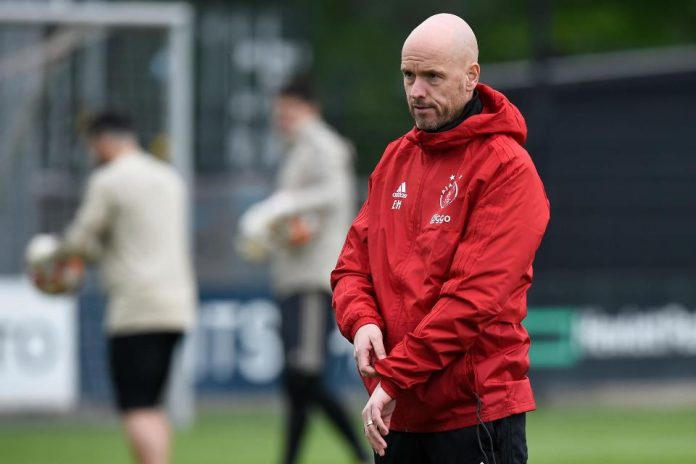 Pelatih Ajax Buka Peluang Mudik ke FC Hollywood