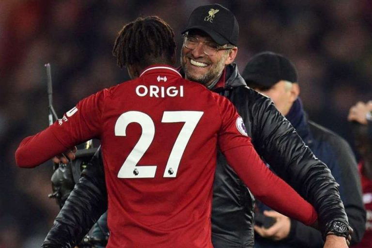 Origi Persembahkan Golnya Untuk Mo Salah