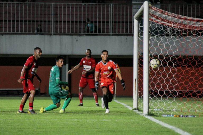 PSS Sleman Dipermalukan Persipura di Malam Launching