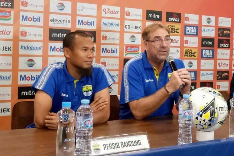 PT LIB Salahi Aturan FIFA, Pelatih Persib Protes